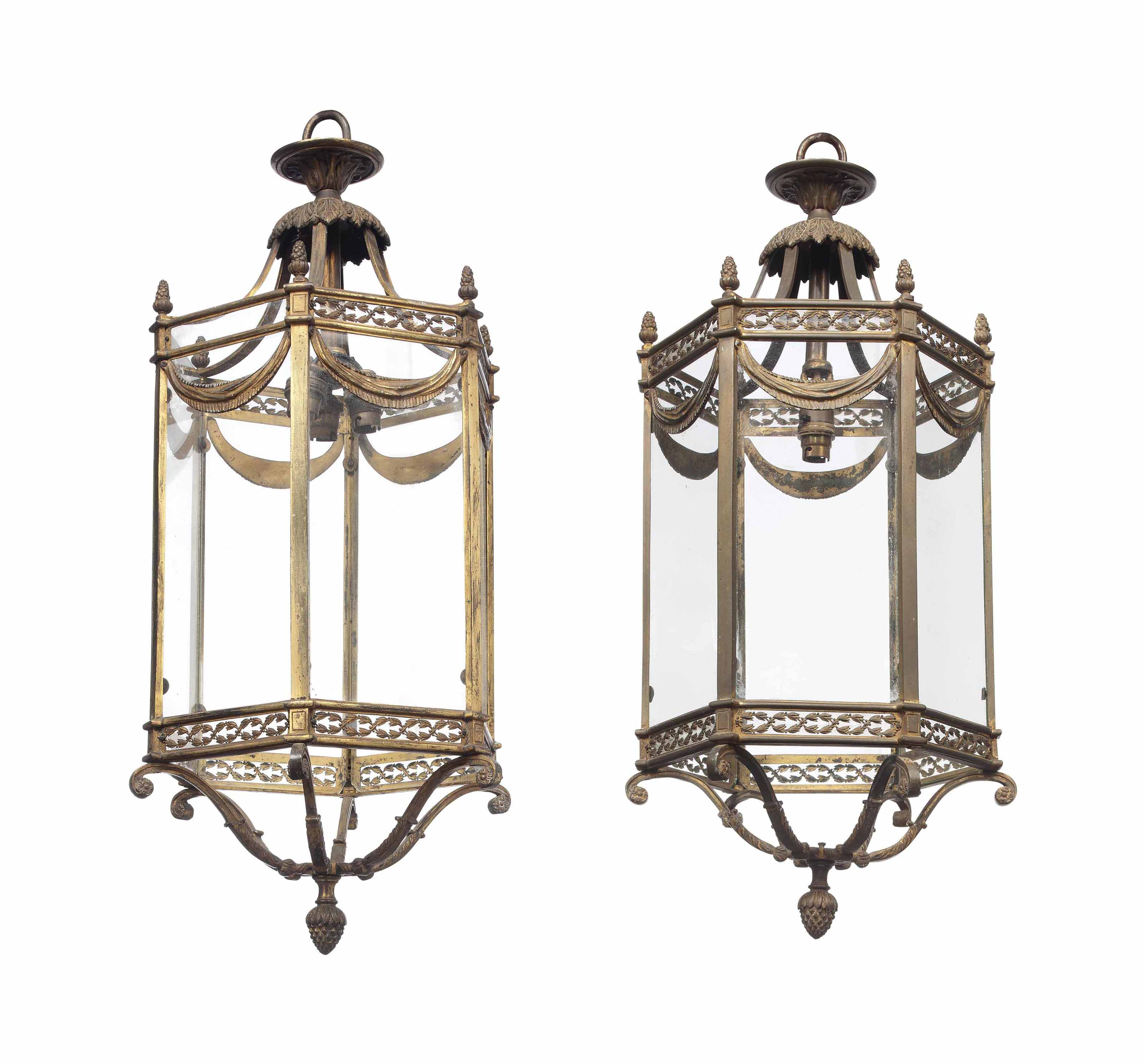 A PAIR OF EDWARDIAN LACQUERED