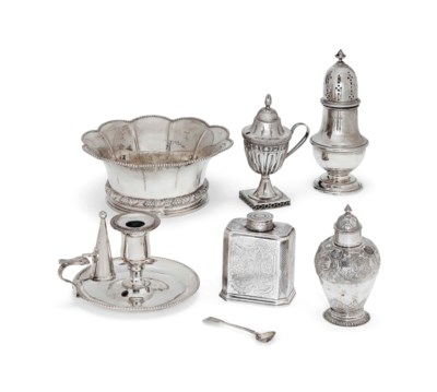 A GEORGE I SILVER TEA CADDY