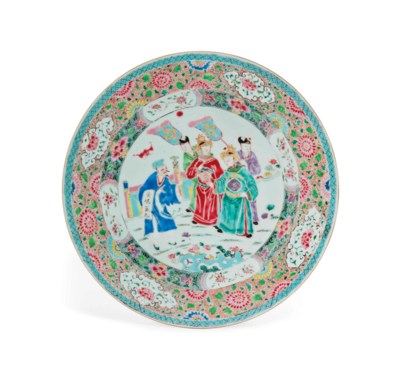 A LARGE FAMILLE ROSE DISH