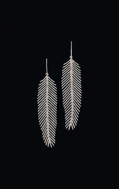 A pair of diamond-set pendent