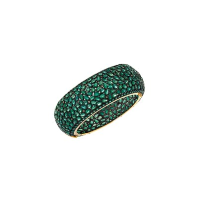 An emerald bangle