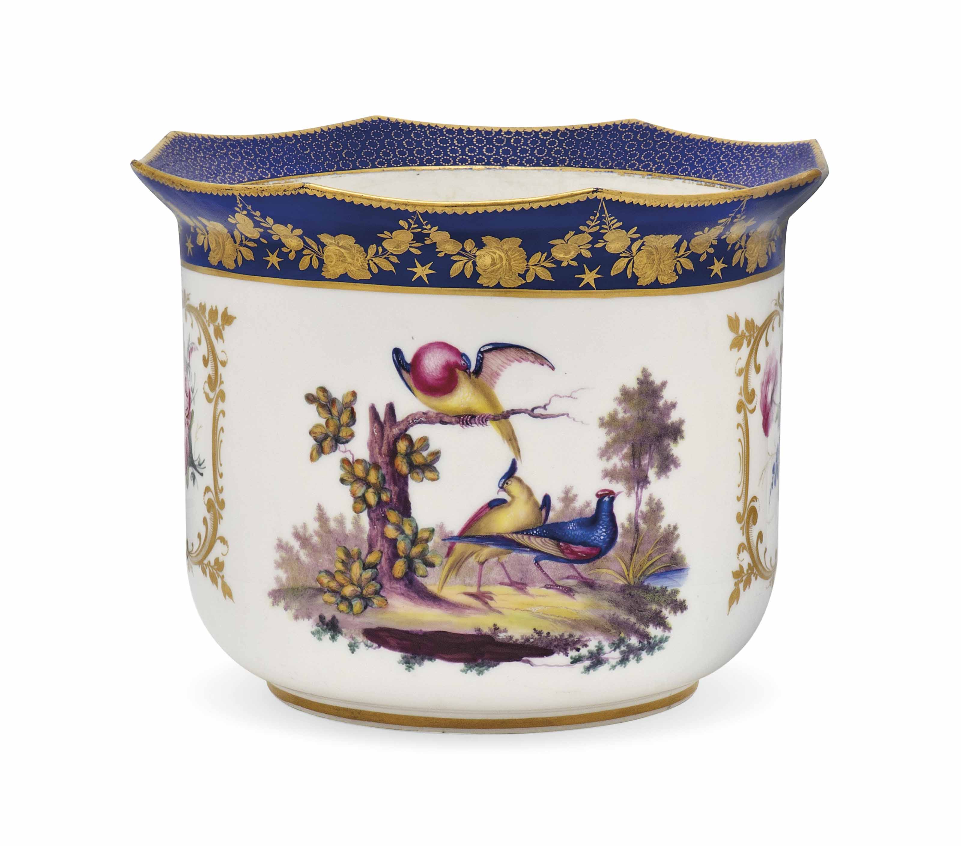 A SEVRES-STYLE MORTIER