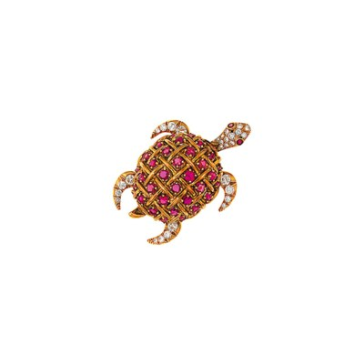 A ruby and diamond turtle broo