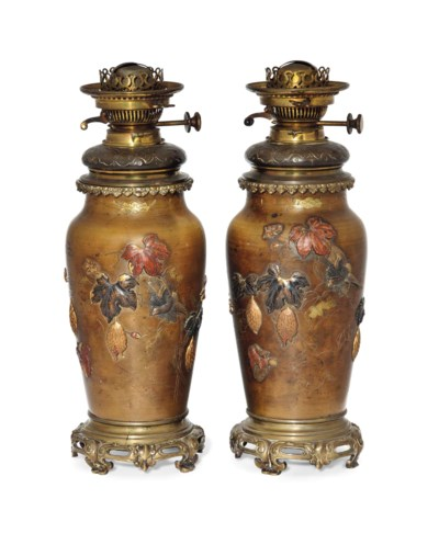 A PAIR OF JAPANESE BRONZE OIL