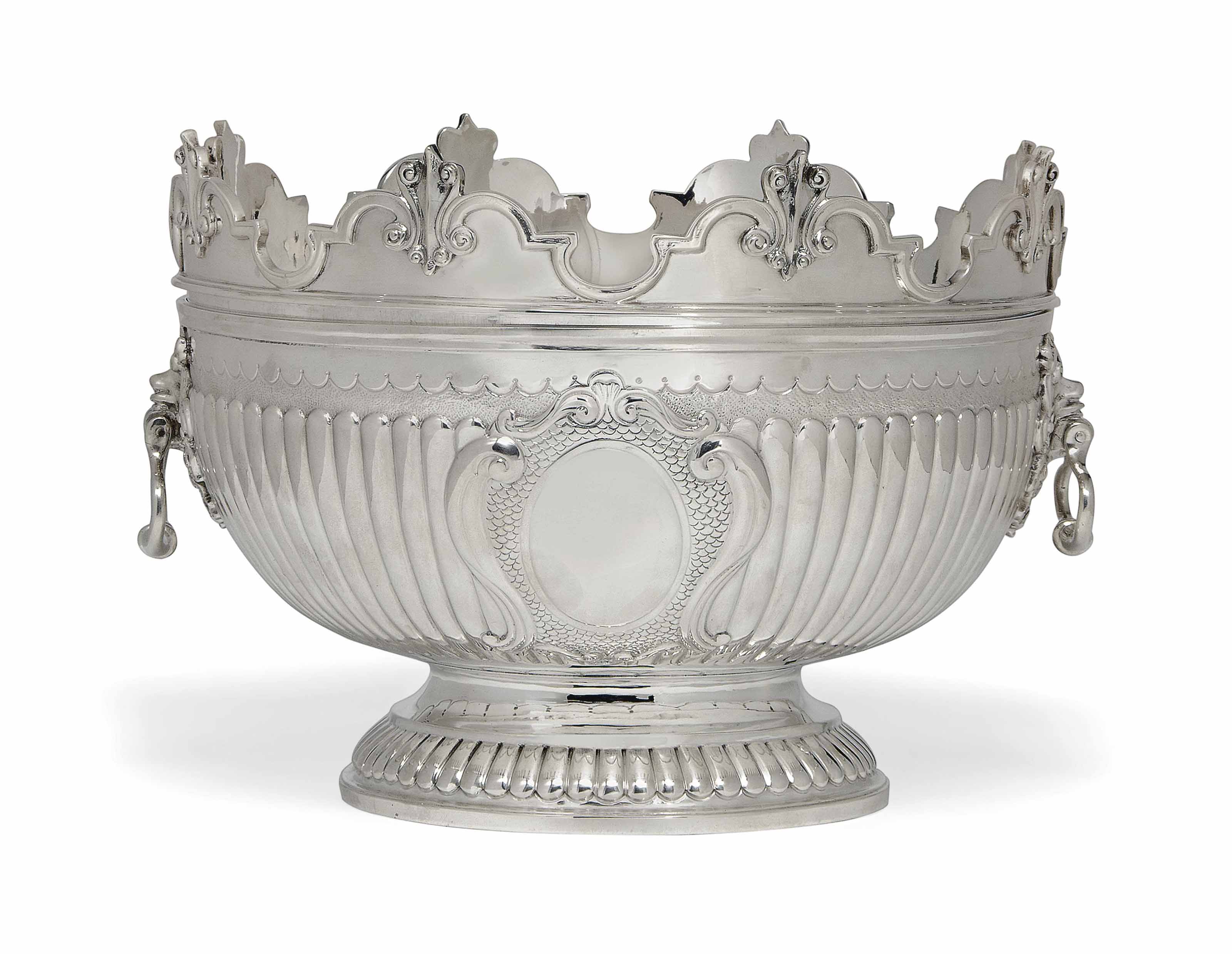A VICTORIAN SILVER MONTEITH BOWL IN THE WILLIAM III STYLE