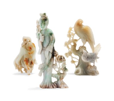 A CHINESE JADEITE GUANYIN AND