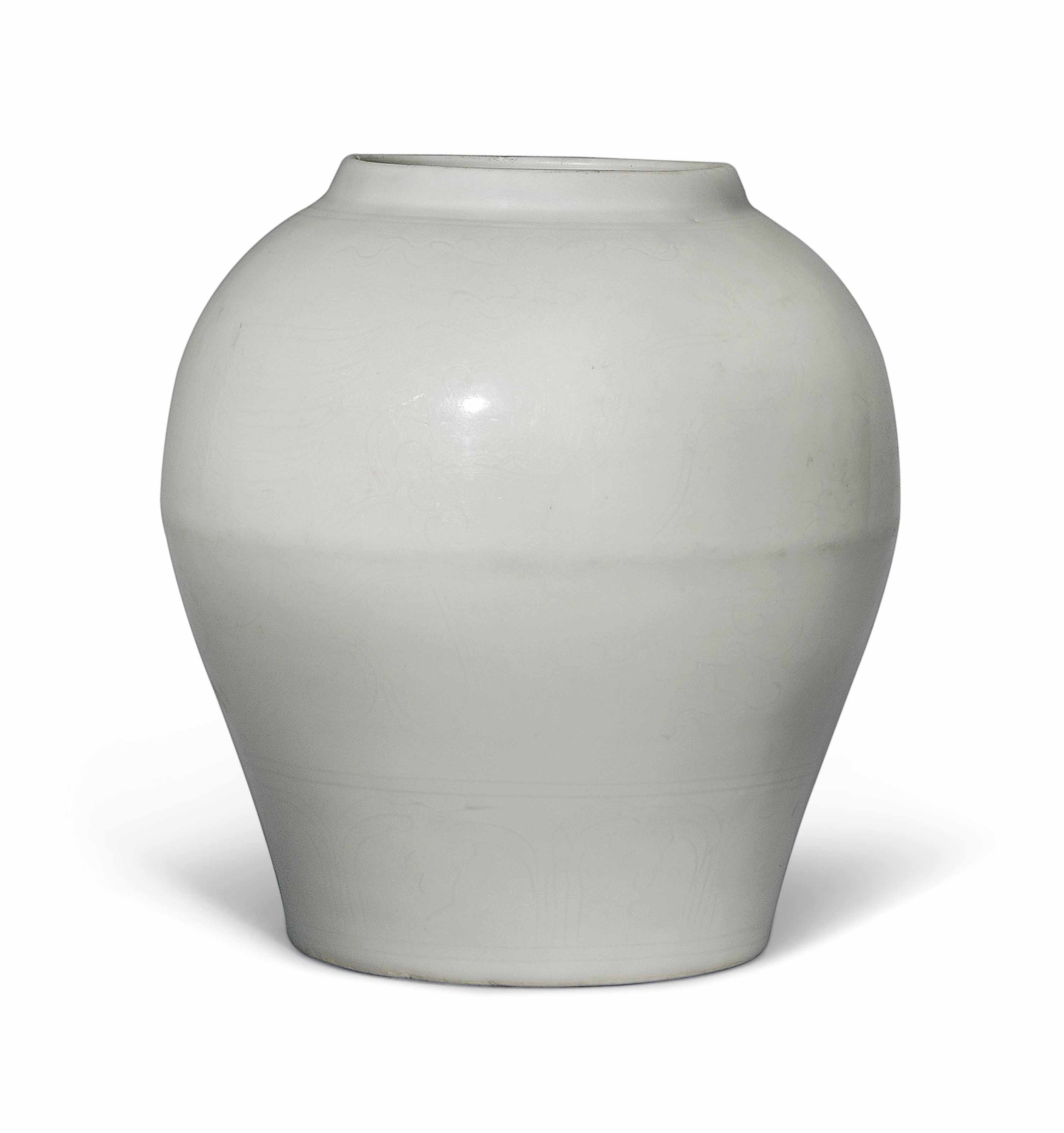 AN ANHUA-DECORATED WHITE-GLAZE