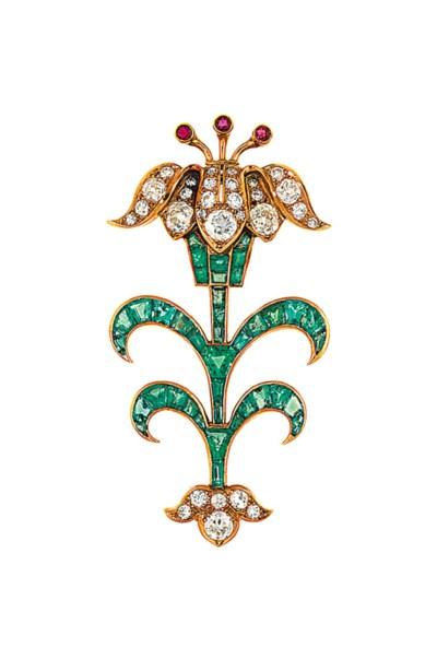 An gem-set brooch