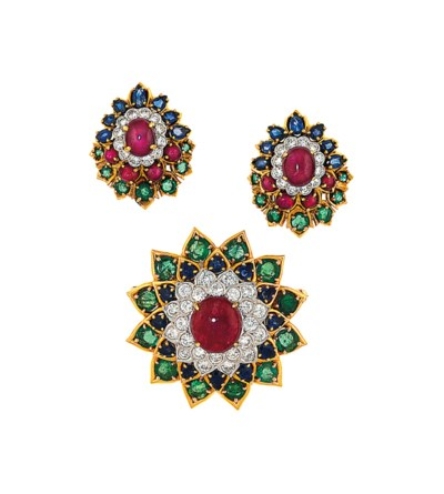A gem-set brooch and pair of e