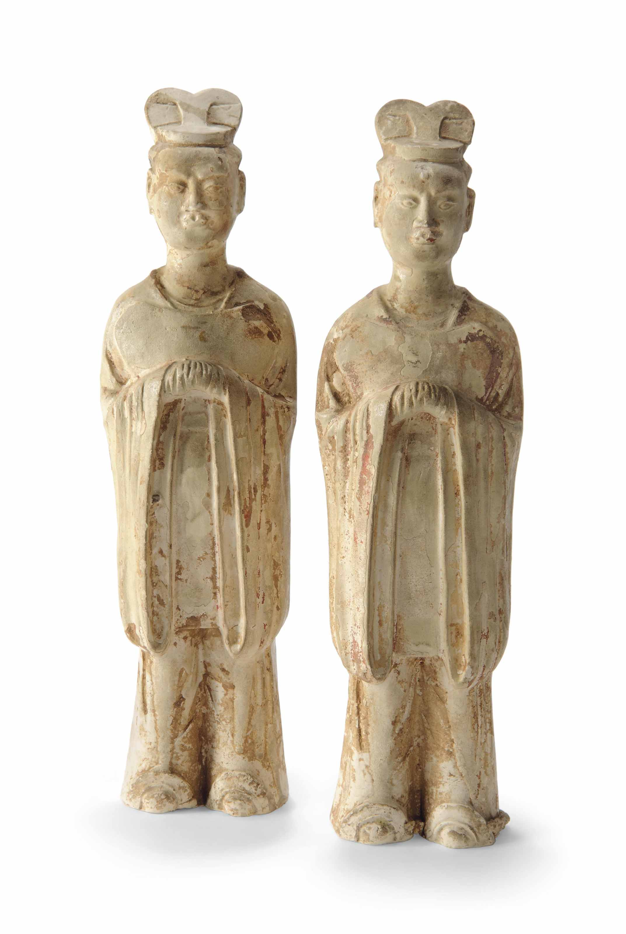 A PAIR OF LARGE CHINESE STRAW-
