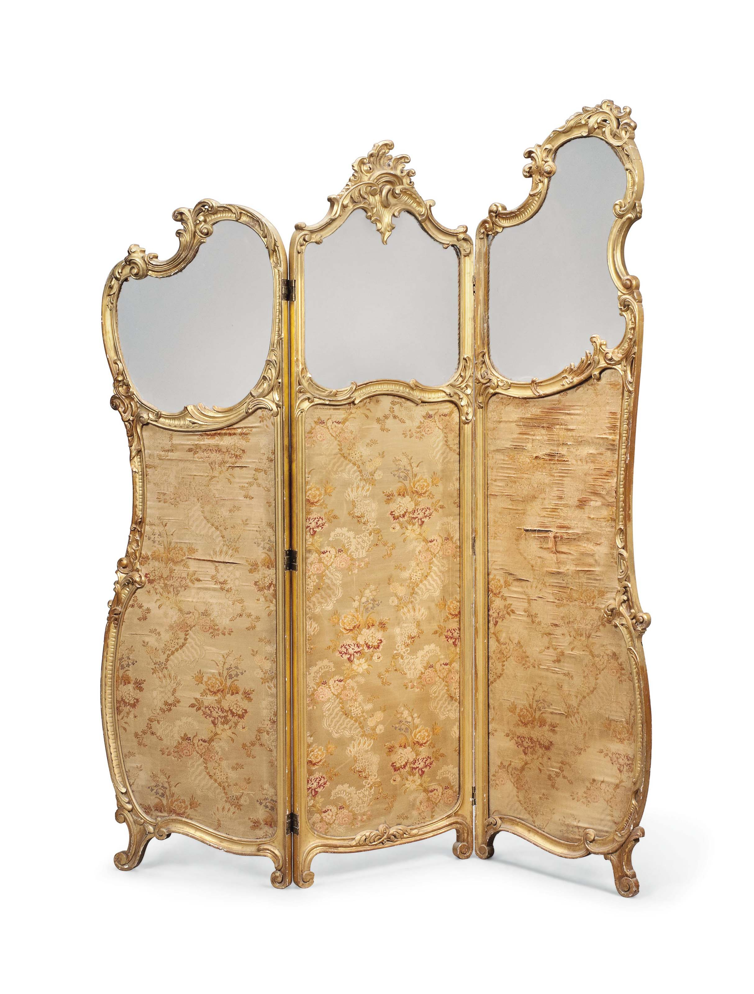 A FRENCH GILTWOOD THREE-FOLD S