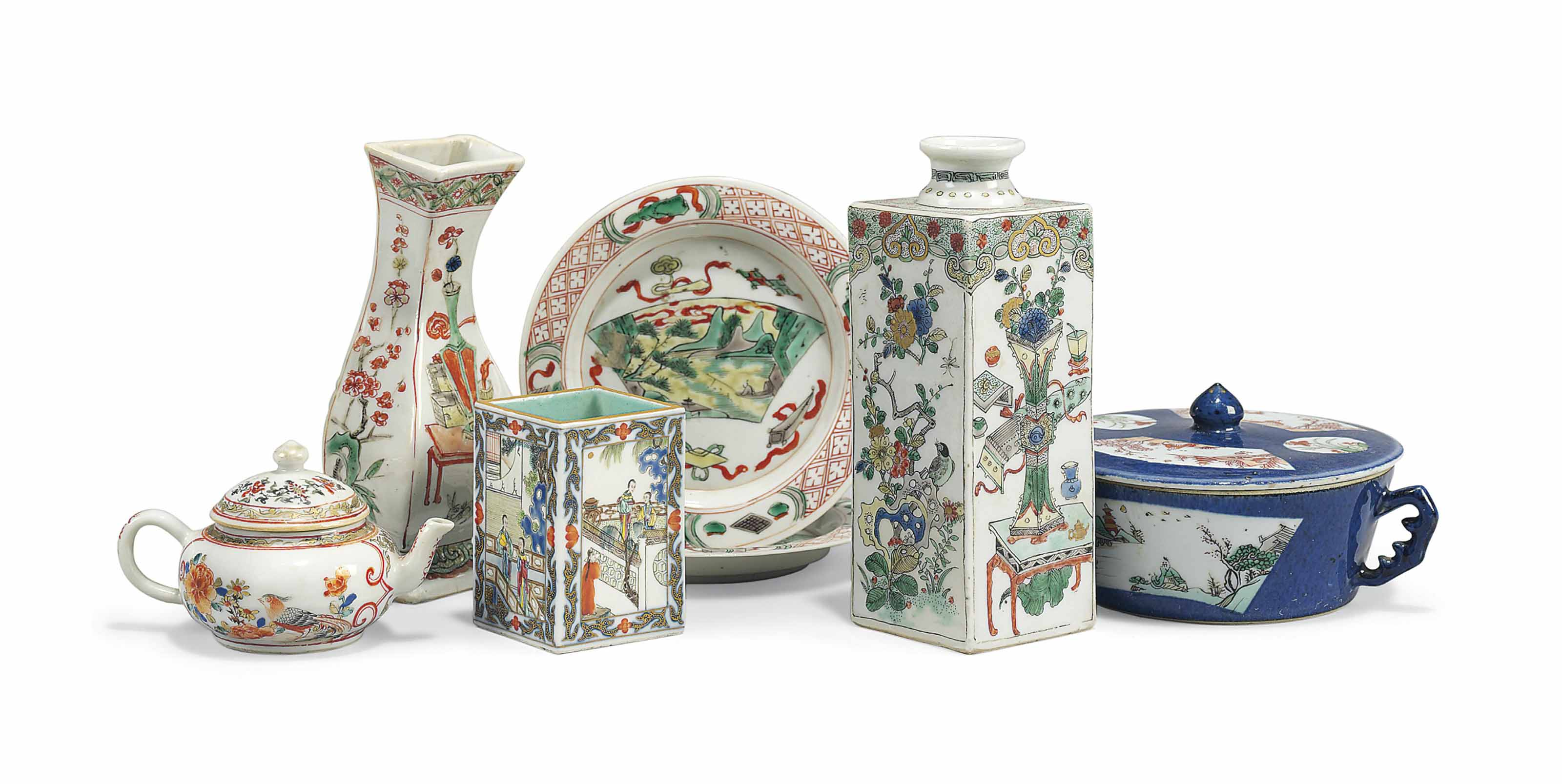 A GROUP OF SMALL CHINESE PORCELAIN VESSELS