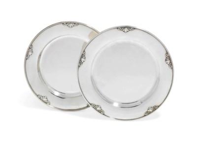 TWO DANISH DINNER-PLATES DESIG