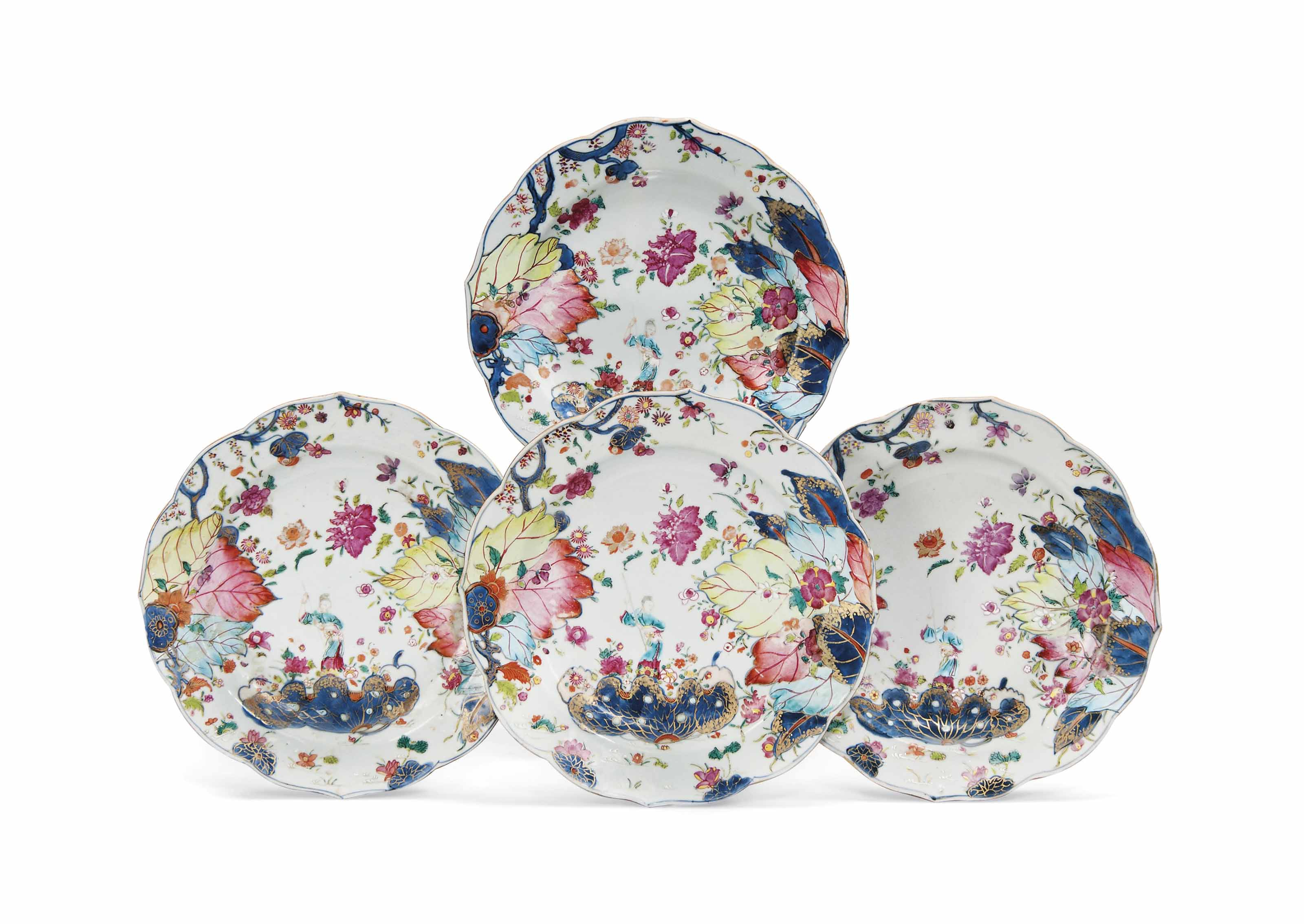 FOUR CHINESE FAMILLE ROSE 'TOBACCO LEAF' DISHES