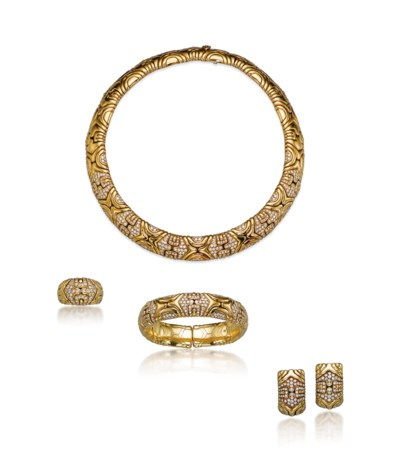 A SET OF DIAMOND AND GOLD 'ALV