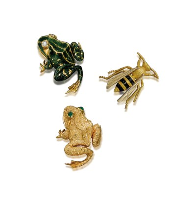 TWO BROOCHES, BY VAN CLEEF & A