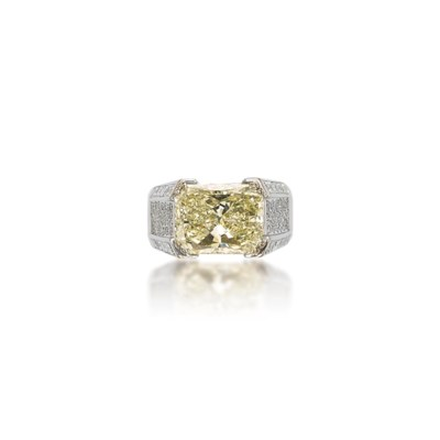 A DIAMOND RING, BY JAHAN