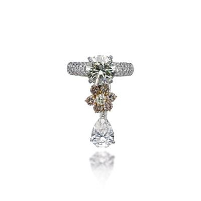 A DIAMOND CHARM RING