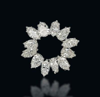 A DIAMOND BROOCH, BY FARAONE