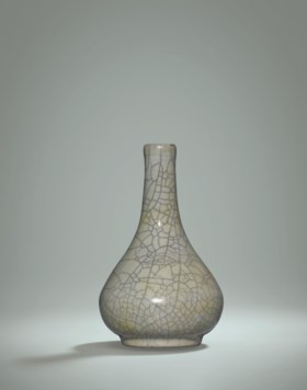 A VERY RARE SMALL GE BOTTLE VASE