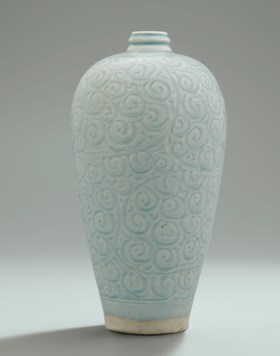 A RARE LARGE CARVED QINGBAI VASE, MEIPING