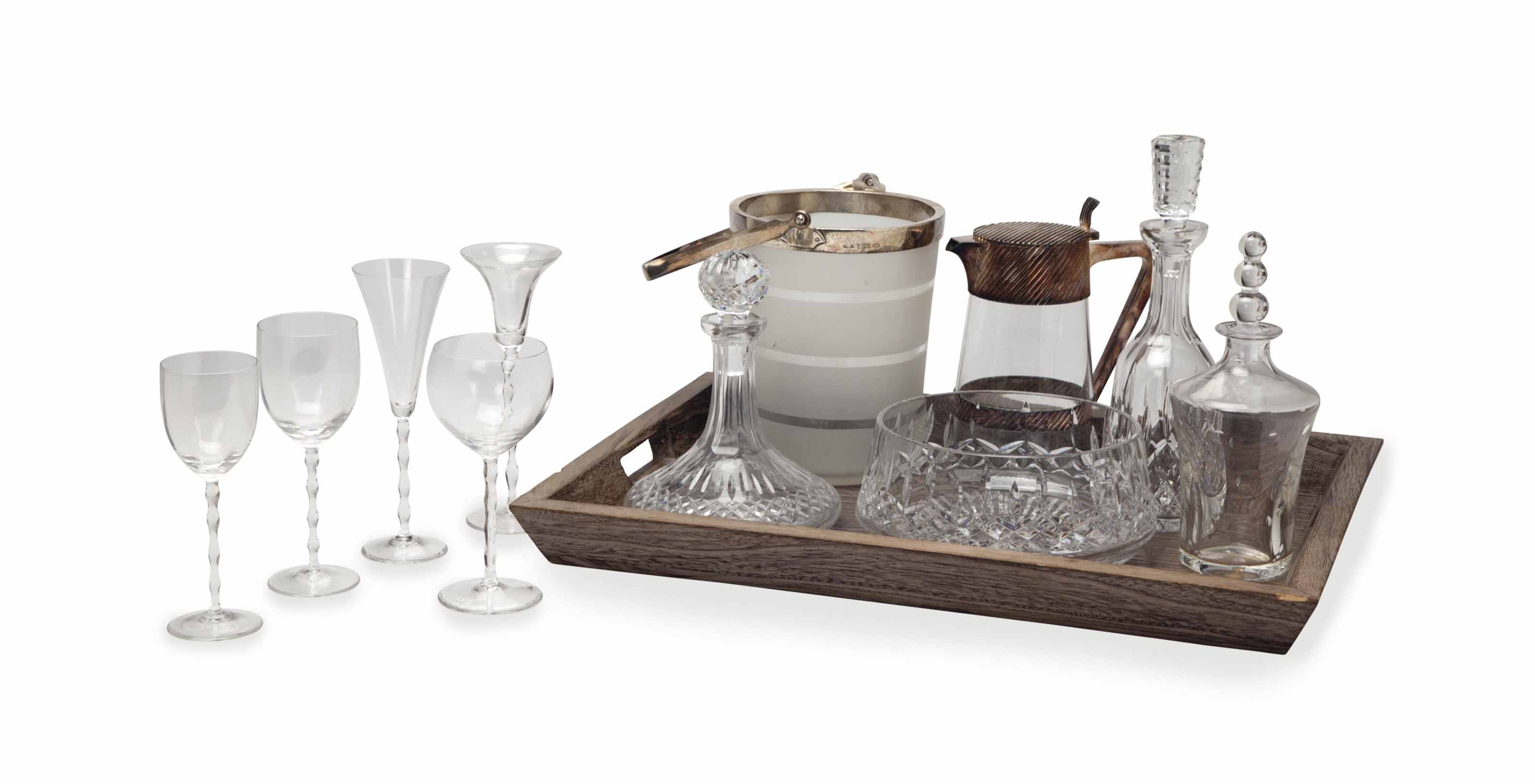 AN ASSEMBLED GROUP OF ENGLISH, IRISH, FRENCH AND GERMAN GLASS DRINKWARE,