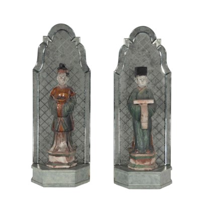 A PAIR OF CHINESE POTTERY FIGU