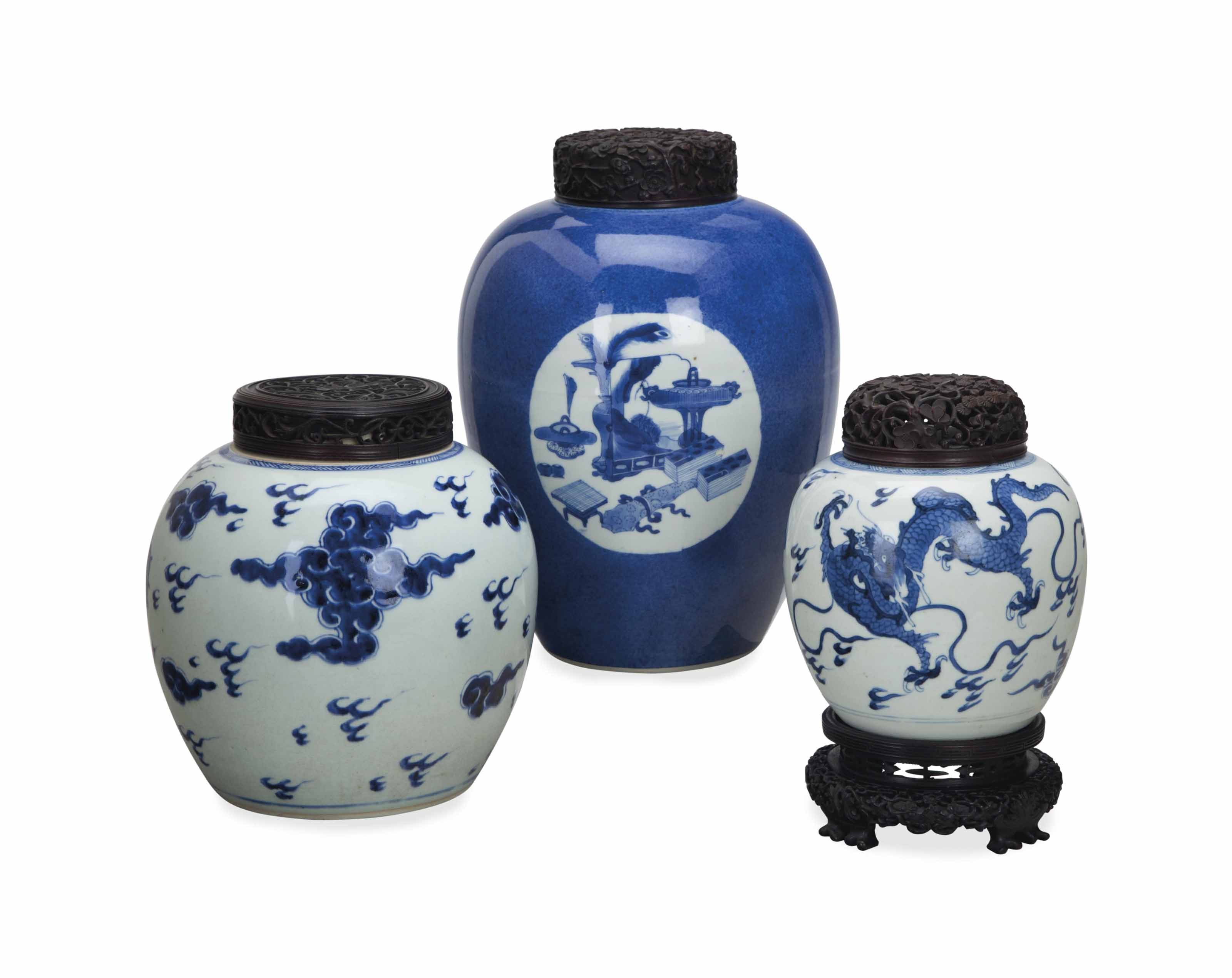 THREE CHINESE BLUE AND WHITE J