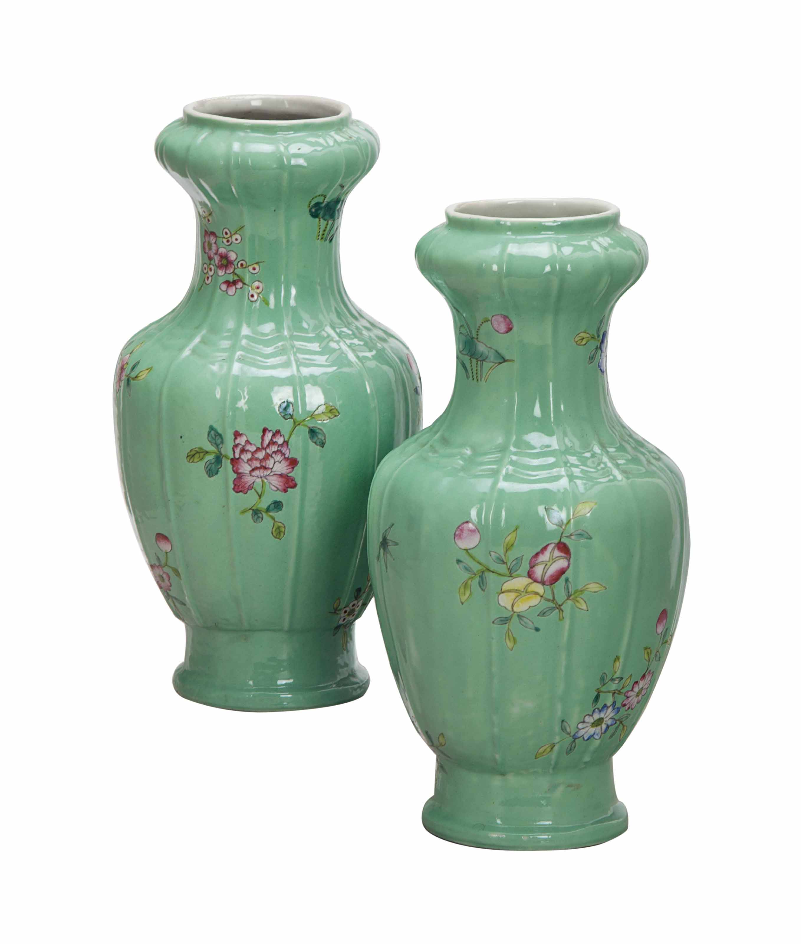 A PAIR OF CHINESE GREEN-GROUND