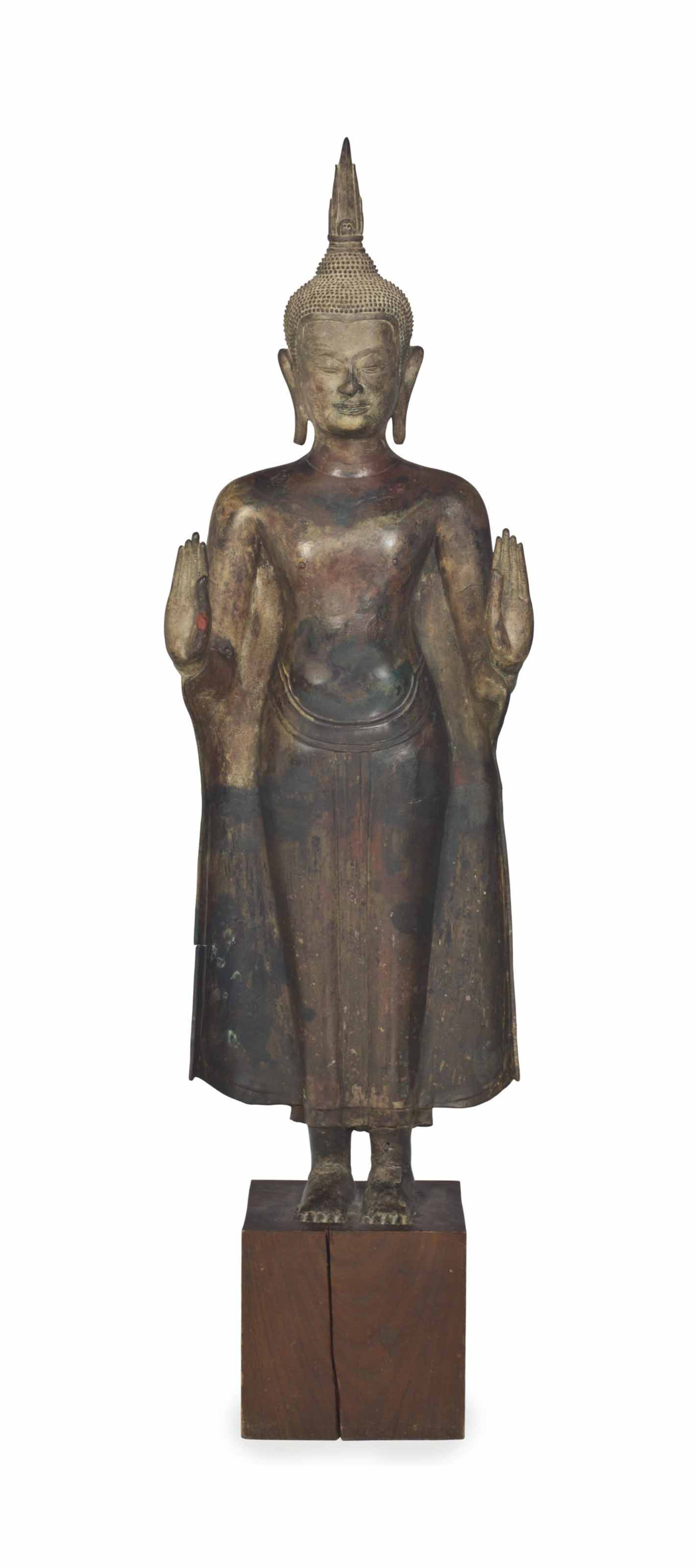 A THAI LARGE BRONZE FIGURE OF