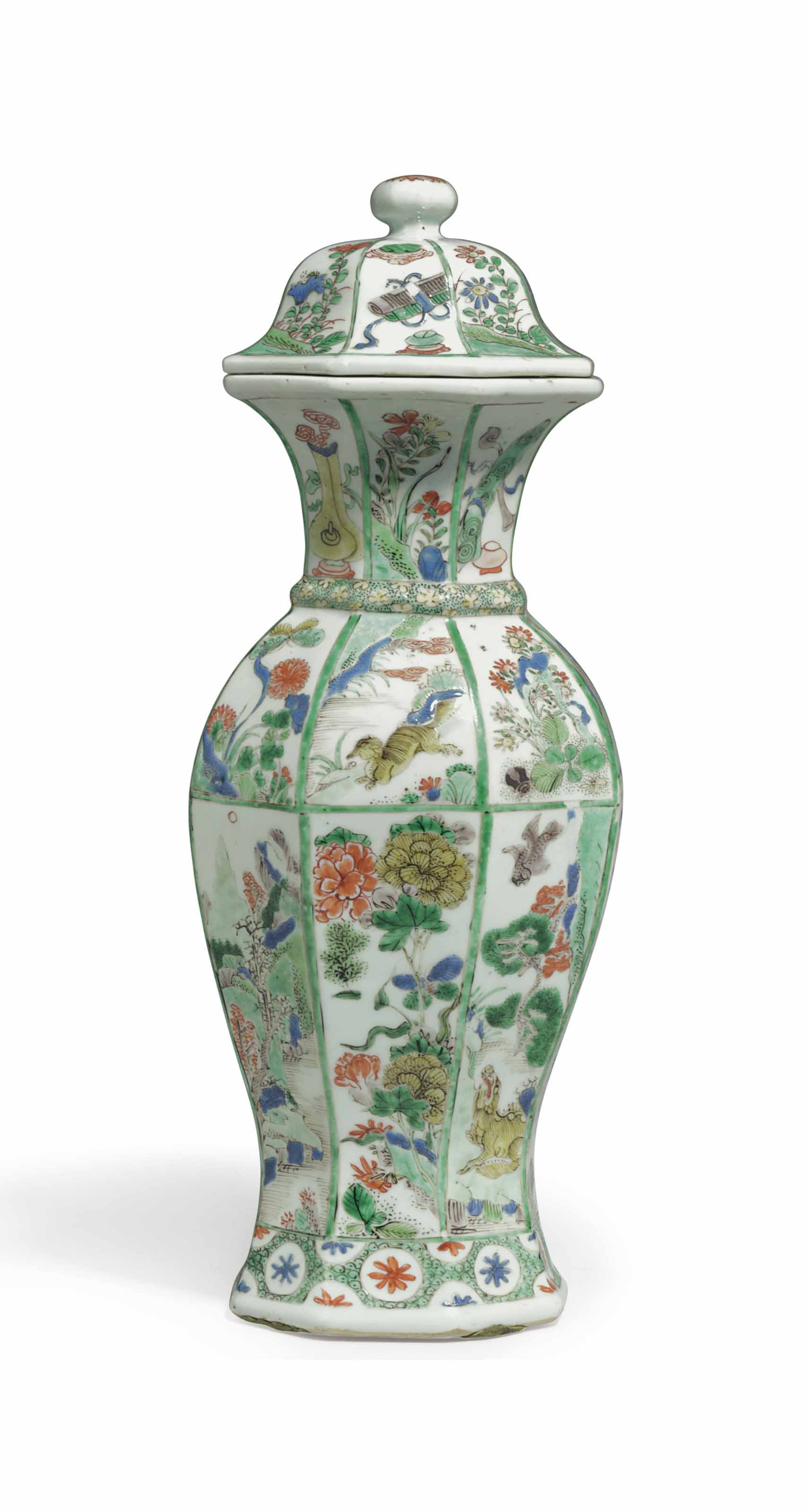 A CHINESE EXPORT PORCELAIN FAMILLE VERTE BALUSTER VASE AND COVER