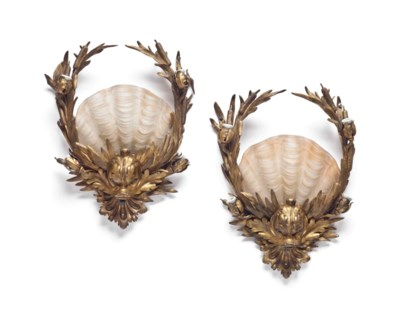 A PAIR OF GILT-BRONZE AND MOLD