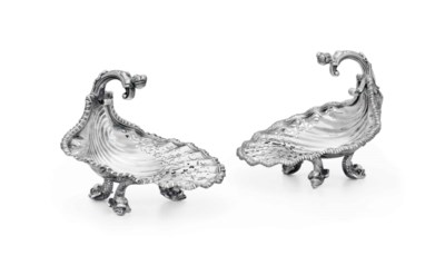 A PAIR OF GEORGE V SILVER SHEL