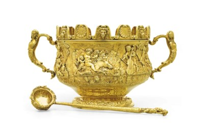 A GEORGE III SILVER-GILT TWO-H
