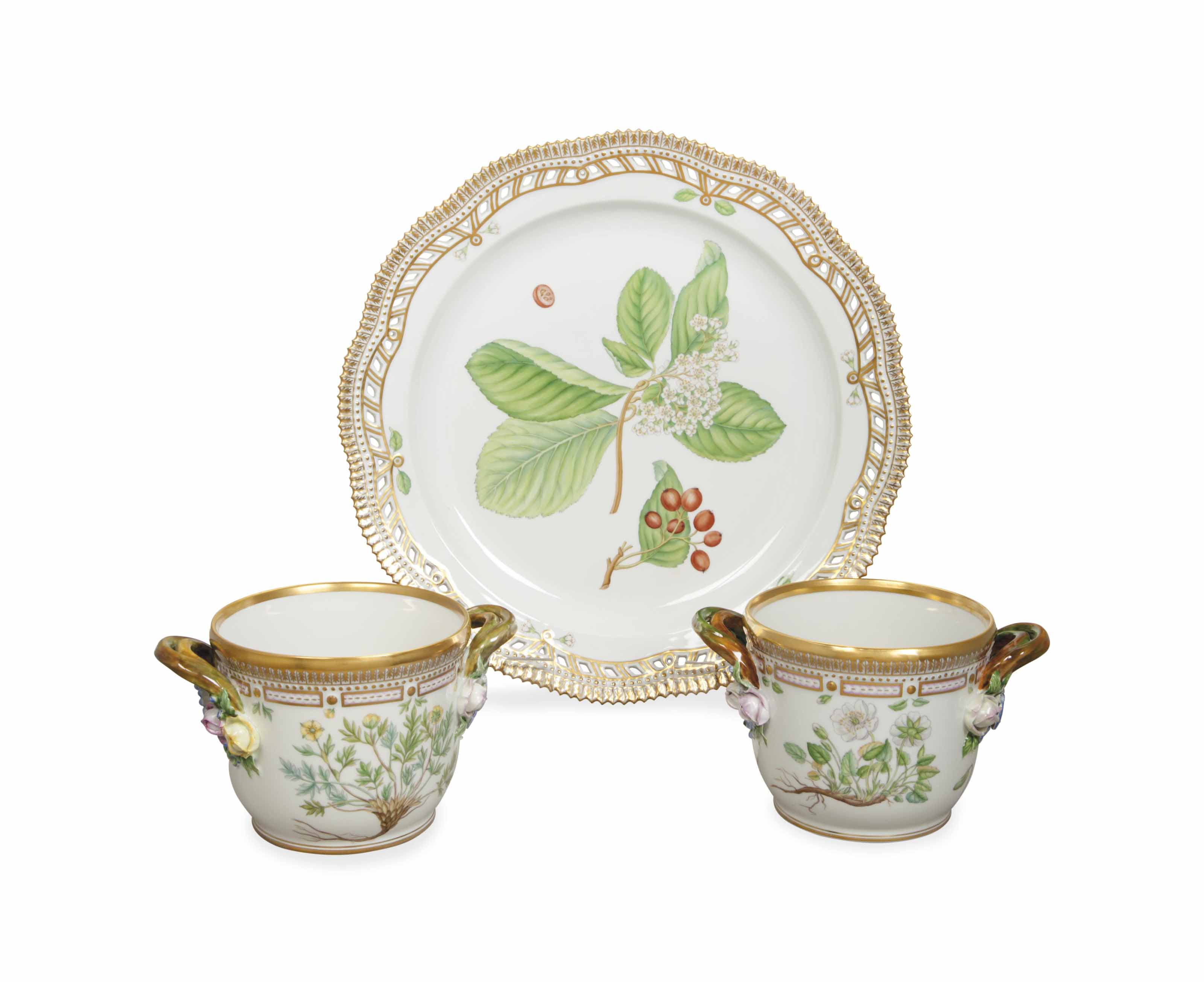 A DANISH PORCELAIN CHARGER AND