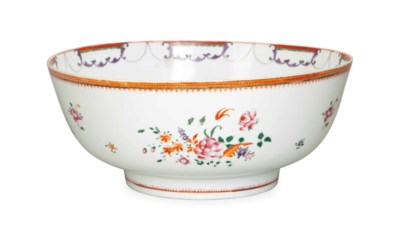 A CHINESE EXPORT PUNCH BOWL,