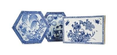 THREE CHINESE BLUE AND WHITE P