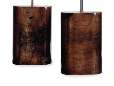 A PAIR OF LACQUERED TABLE LAMP