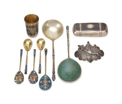 A GROUP OF RUSSIAN SILVER AND