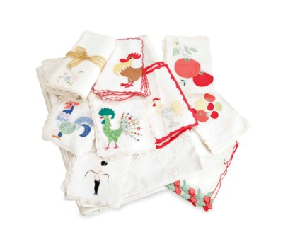 A QUANTITY OF TABLE LINENS,