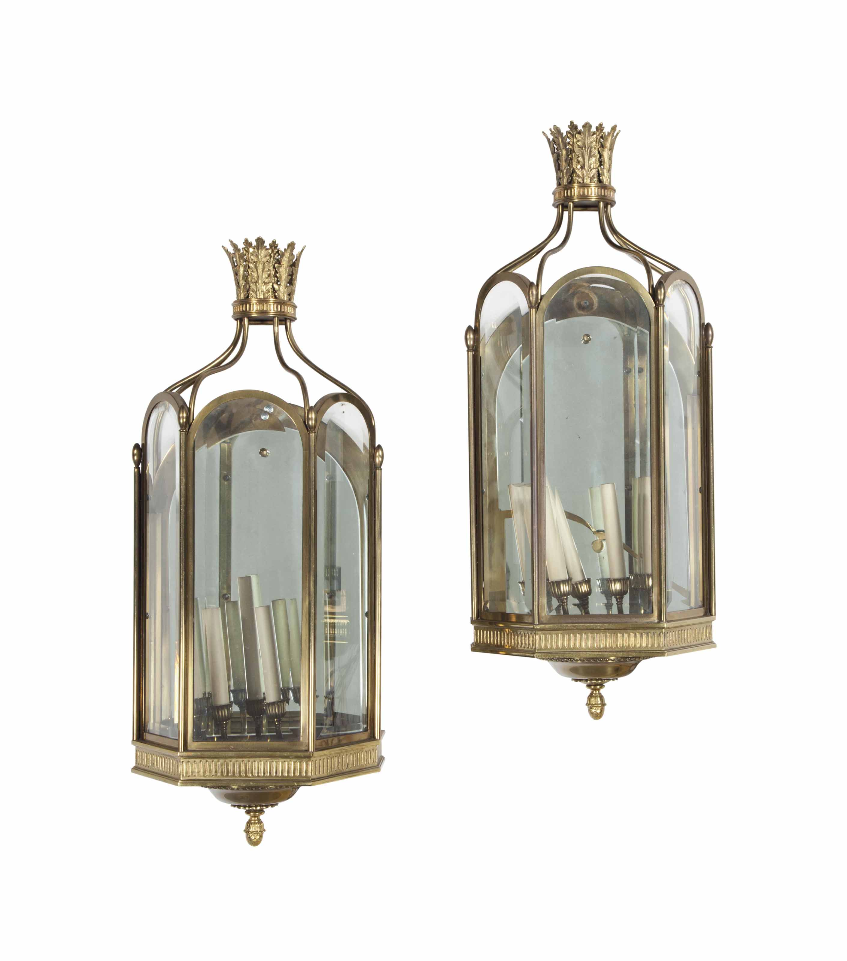 A PAIR OF BRASS AND MIRRORED G