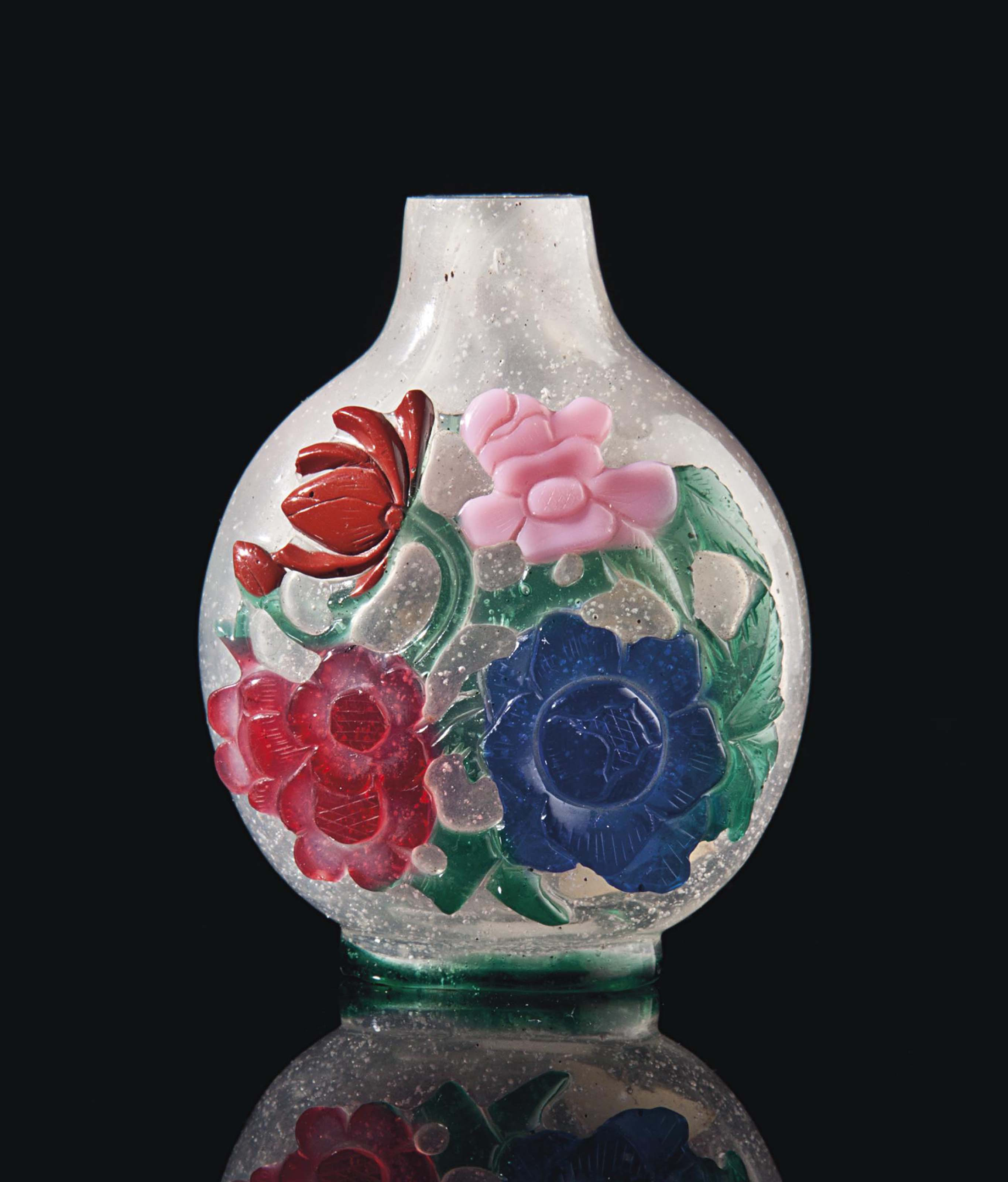 A CHINESE FIVE-COLOR OVERLAY GLASS SNUFF BOTTLE,