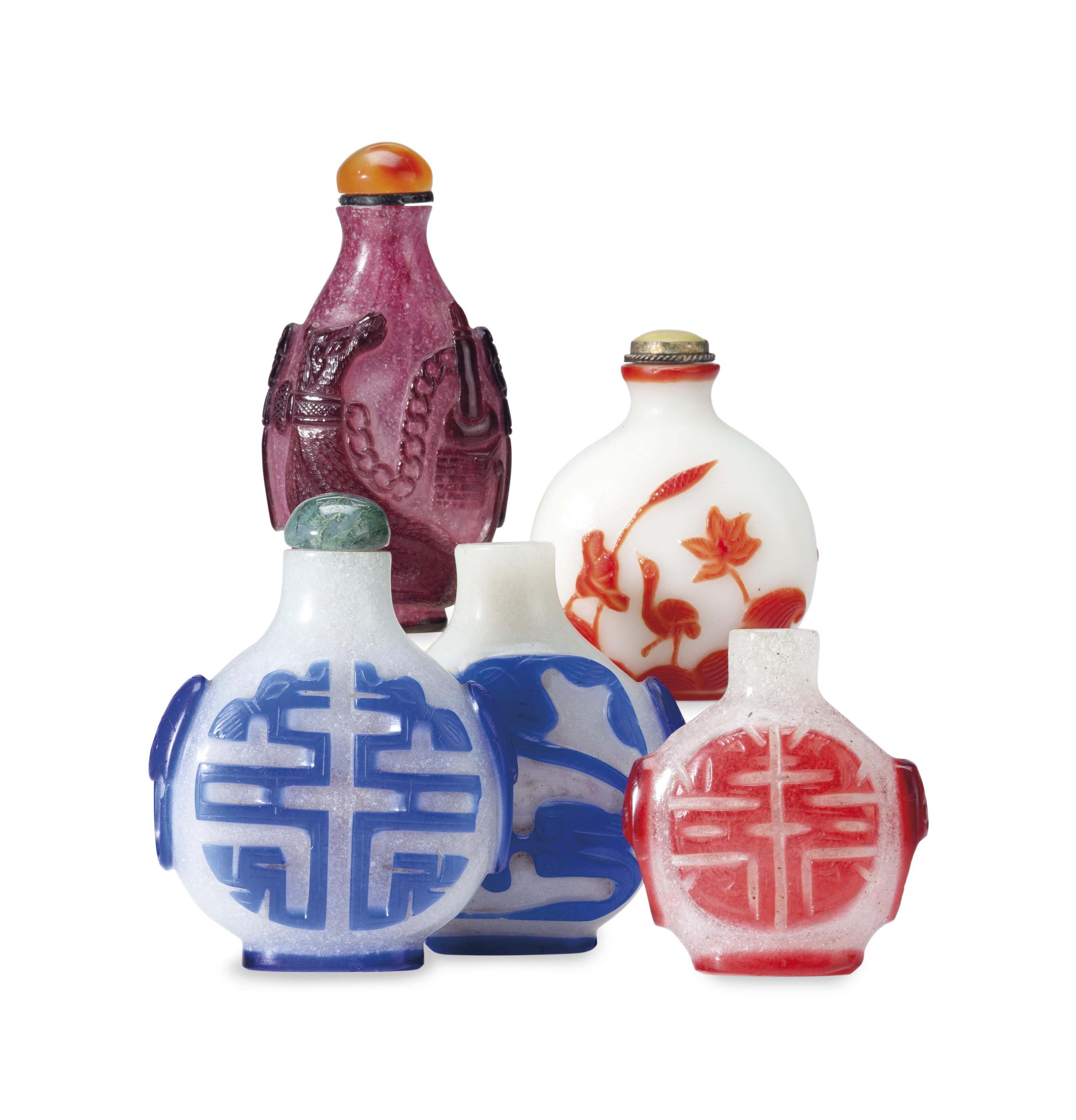 FOUR CHINESE OVERLAY 'SNOWFLAKE' GLASS SNUFF BOTTLES,