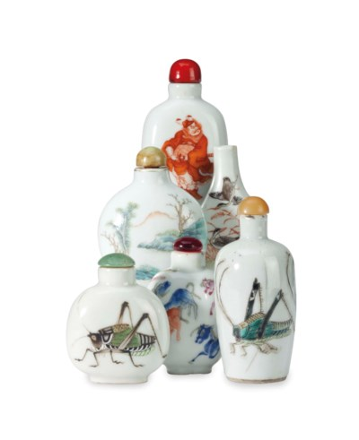 SIX CHINESE PORCELAIN SNUFF BO