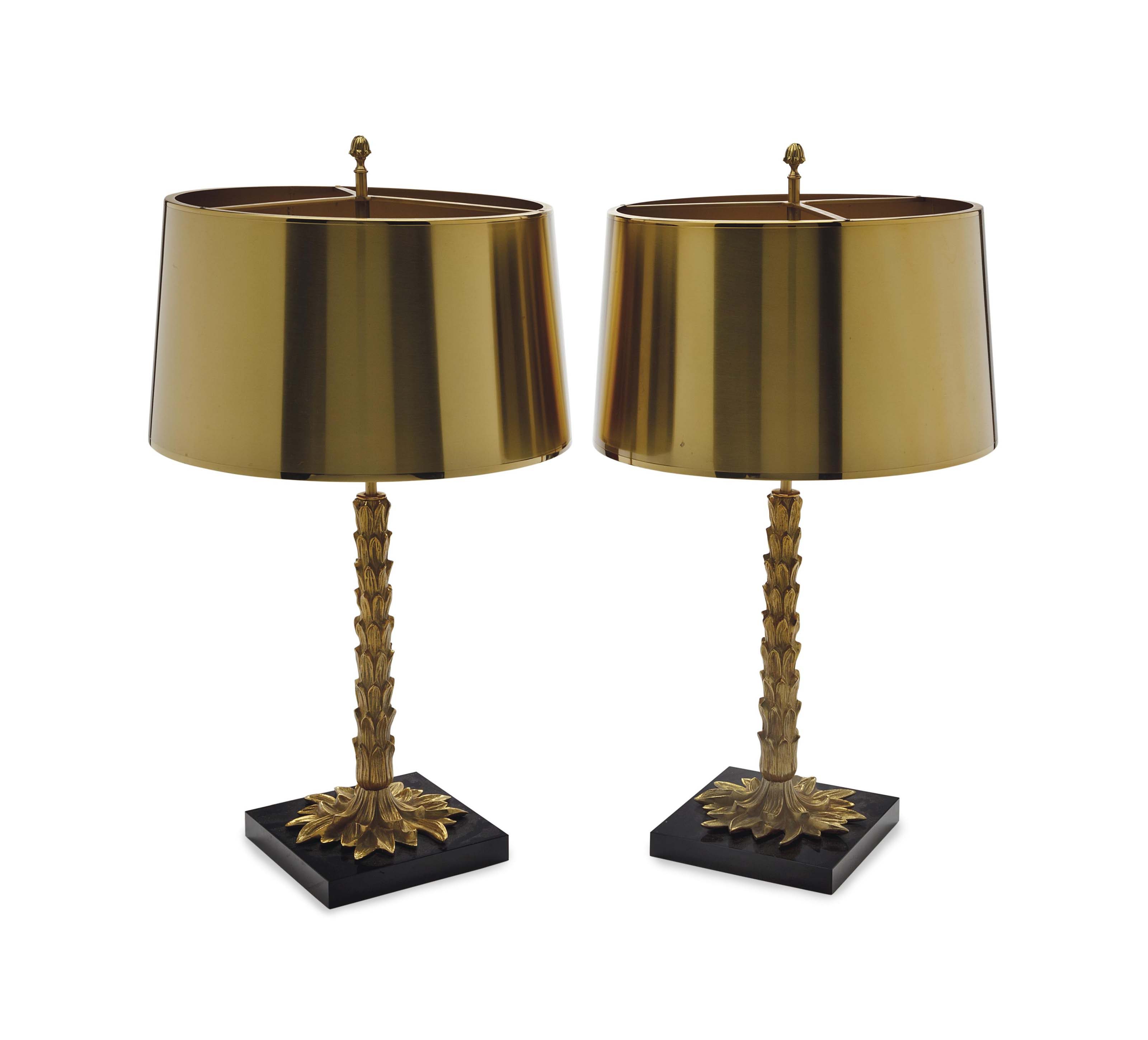 A PAIR OF GILT METAL PALM TREE FORM TABLE LAMPS WITH GILT METAL SHADES,