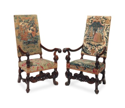 A PAIR OF FRANCO-FLEMISH WALNU