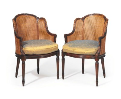 A PAIR OF LOUIS XVI STYLE CARV