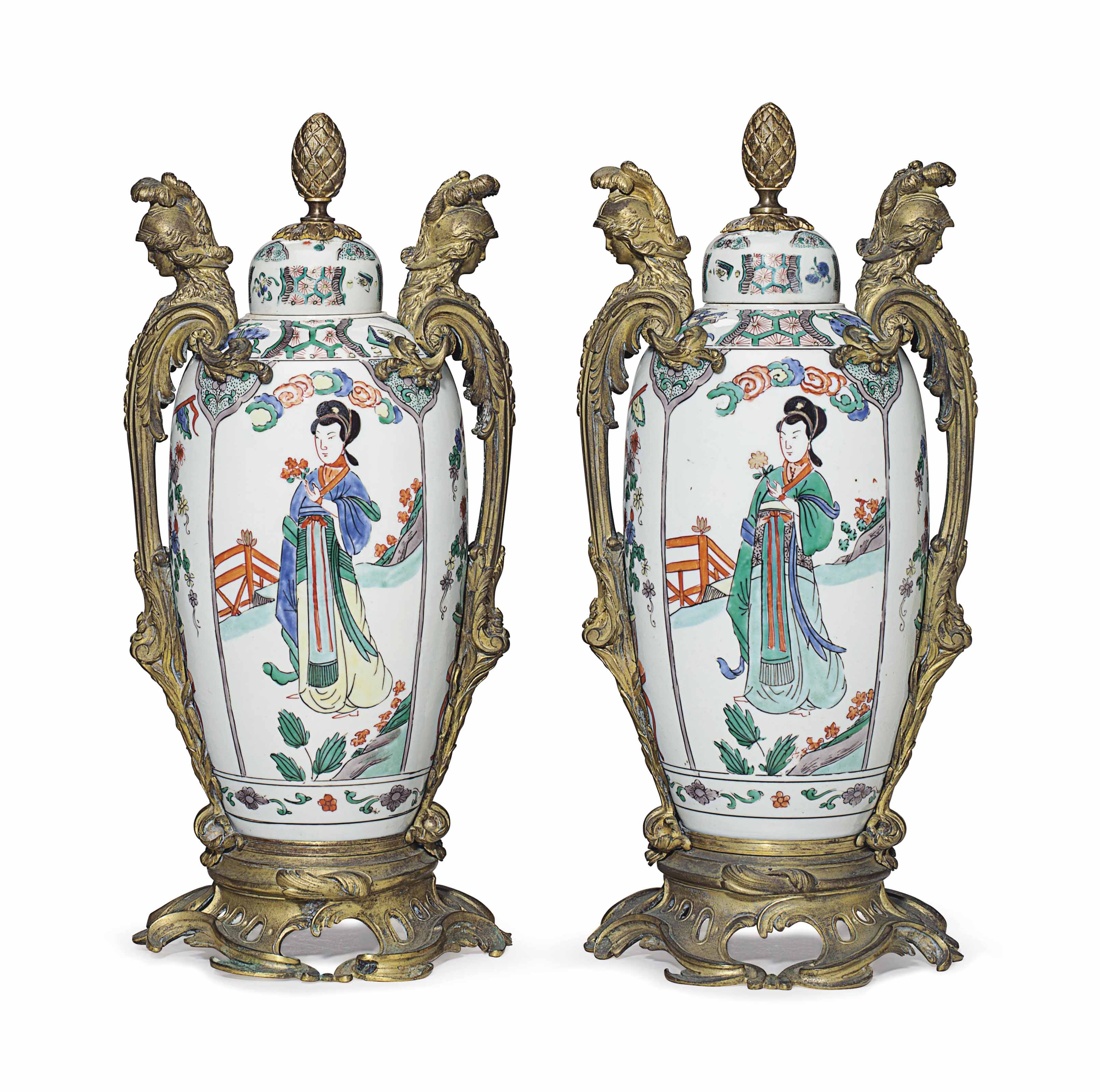 A PAIR OF ORMOLU-MOUNTED SAMSON PORCELAIN FAMILE VERTE VASES AND COVERS