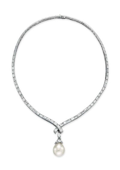 A CULTURED PEARL AND DIAMOND PENDANT NECKLACE, BY VAN