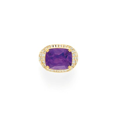 A PURPLE SAPPHIRE AND DIAMOND